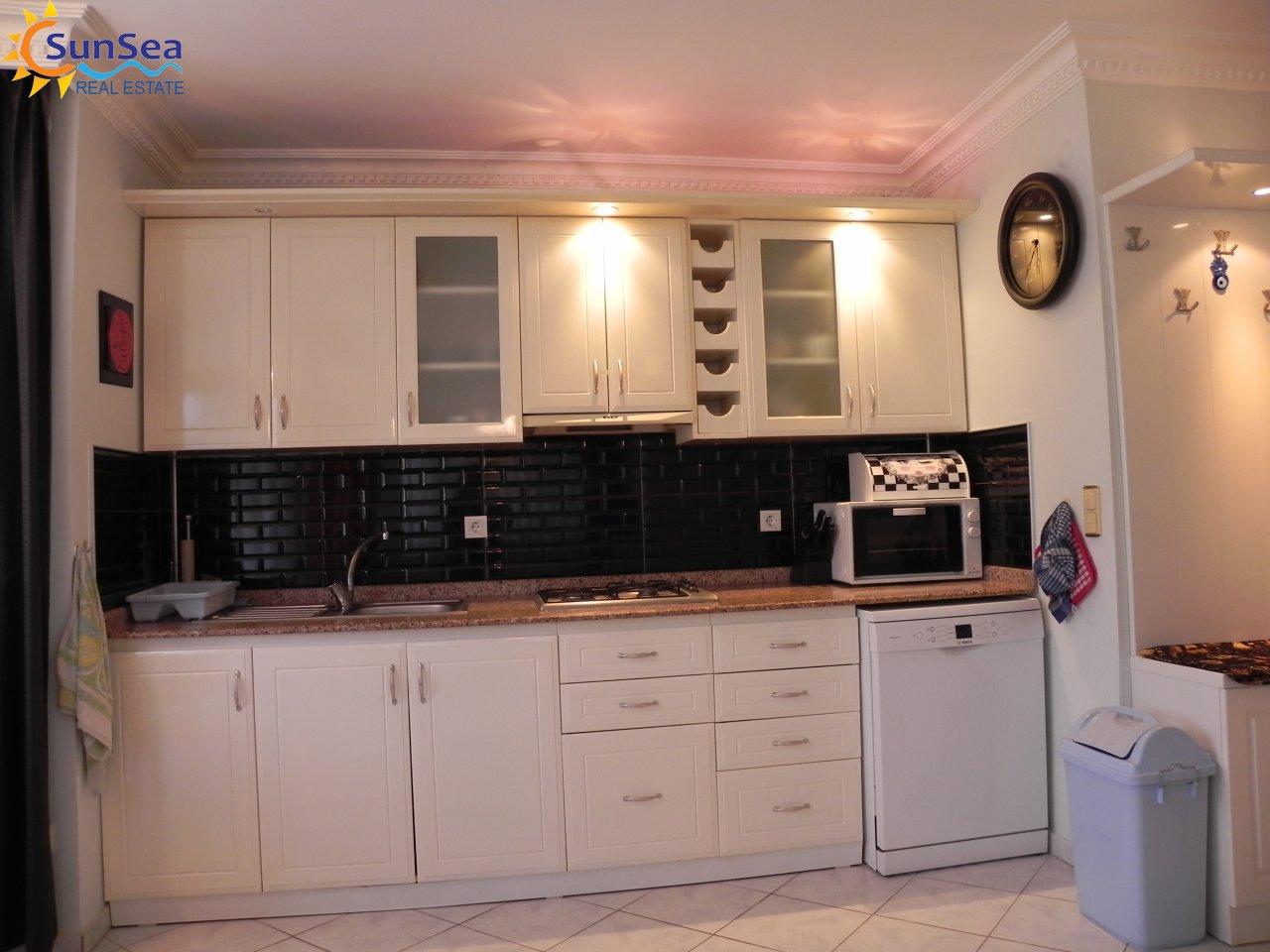 Green catle residence alnaya kitchen