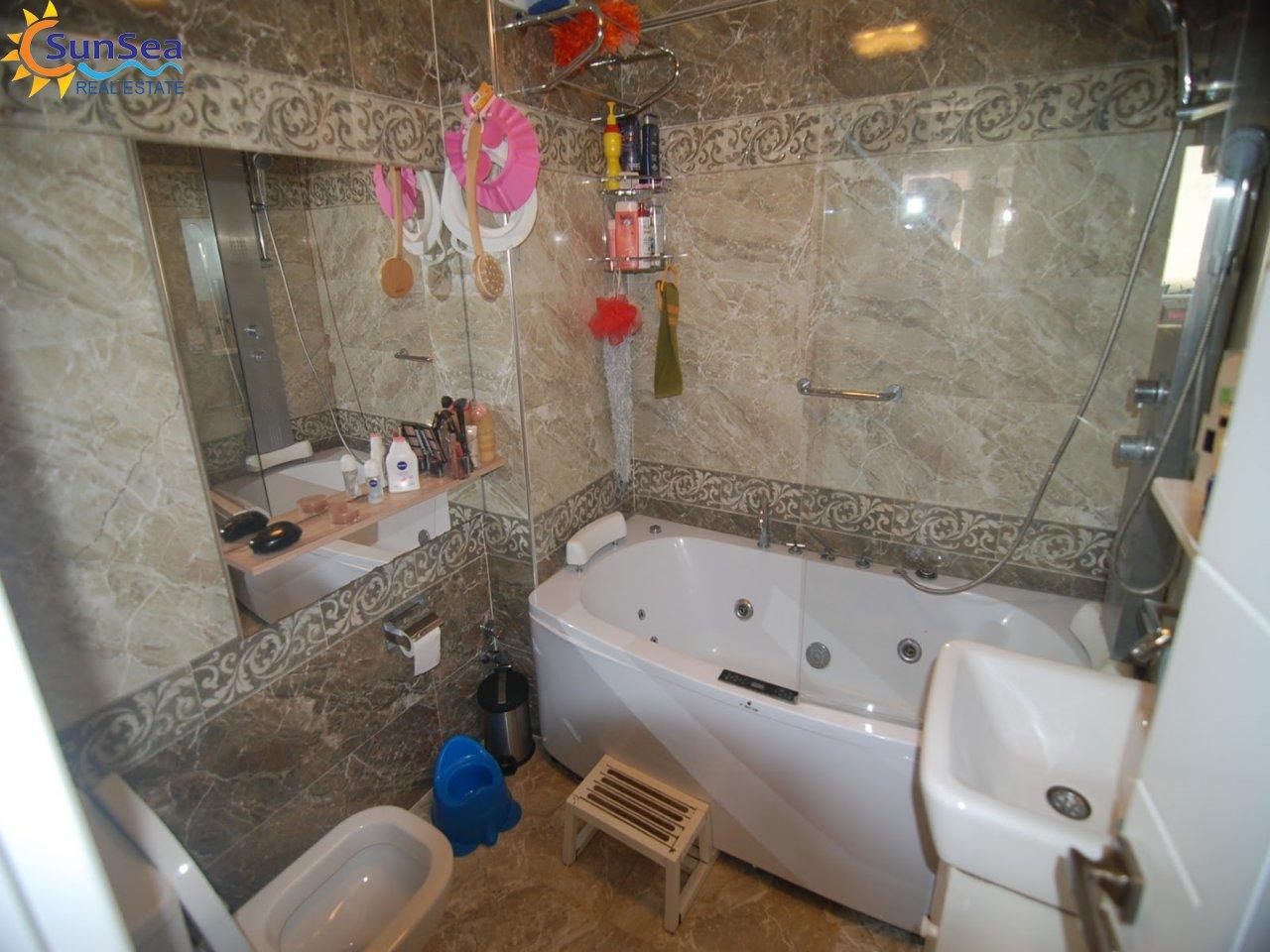 cleopatra apart bath