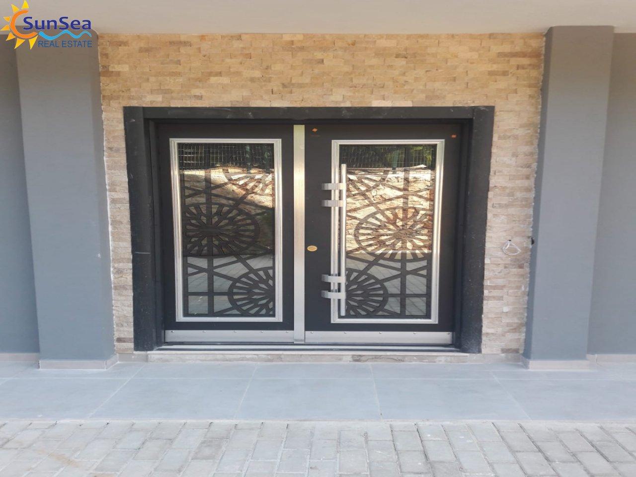 Kerem apart entrance