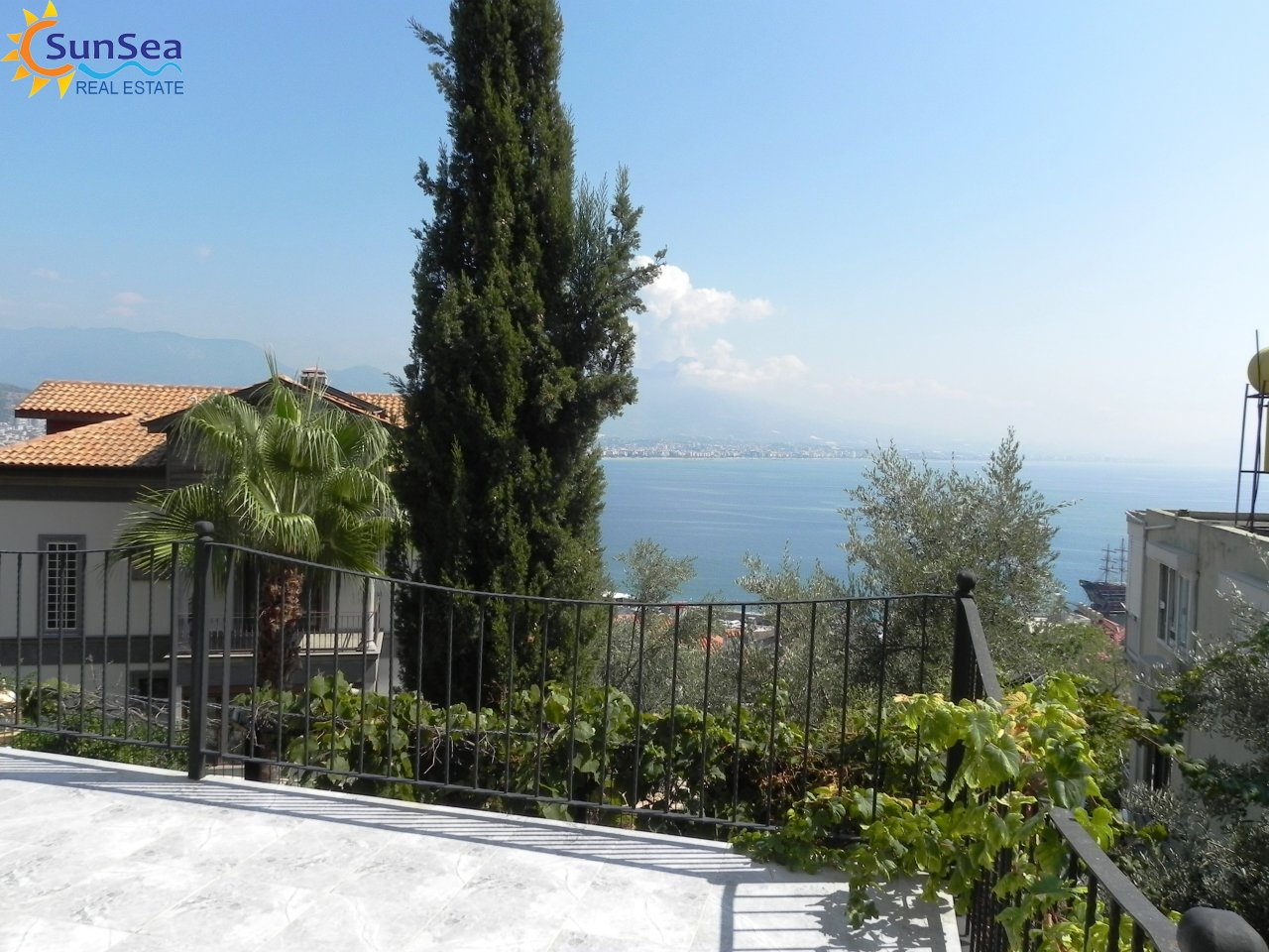 Alanya Harbour Apartment view terrace