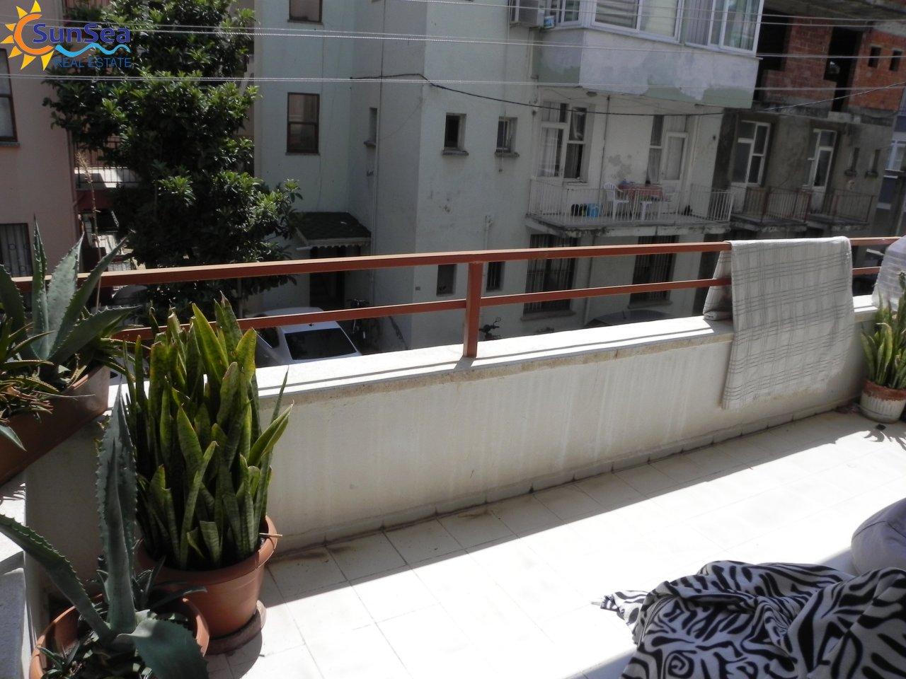 magnus balcony2